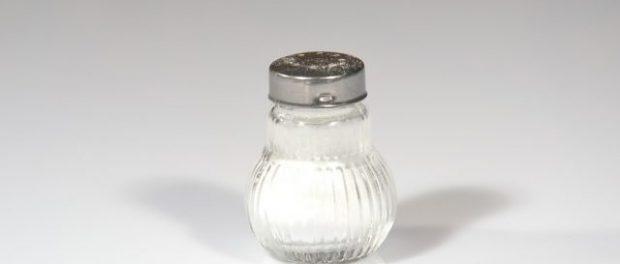 Cuidado con la sal que no está en el salero